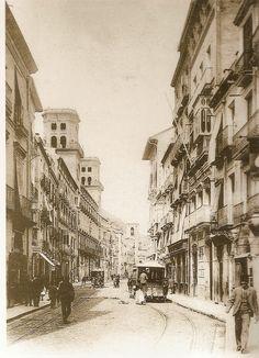 ALICANTE EN EL RECUERDO: LA CALLE ALTAMIRA ~ Alicante Vivo- Postal de la primera década del siglo XX, con los tranvías de mulas cruzándose por la Calle Princesa.