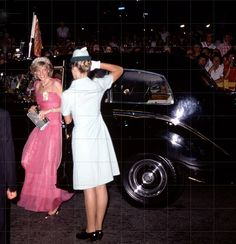 April Princess Diana at a State Reception at the Crest Hotel in Brisbane, Queensland. Princess Diana Photos, Princess Diana Family, Royal Princess, Princess Of Wales, Princesa Diana, Charles And Diana, Lady Diana Spencer, British Monarchy, Queen Of Hearts