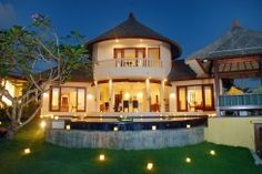Villa Ocean View Frangipani enjoy the magnificent ocean view of Jimbaran Bali