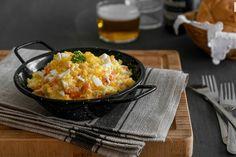 Seis tapas clásicas con patata para un picoteo del finde de lo más tradicional Ensalada Rusa Recipe, Macaroni And Cheese, Menu, Rice, Ethnic Recipes, Food, Party Ideas, Dishes, Menu Board Design