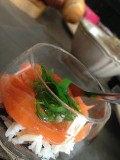 Sushi in een glaasje...doet het altijd leuk :-)