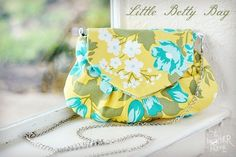 Free Pattern - Little Betty Bag by Destri
