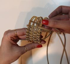 Tutorial : Pulsera Bracelet - I have some bangles some where that need to be painted and upcycled..
