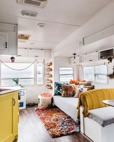 11 Beautiful RV Makeovers to Inspire Your RV Renovation - Looking for interior ideas for a motorhome makeover? Planning a travel trailer remodel or renovation - Architecture Renovation, Home Renovation, Rv Interior Remodel, Motorhome Interior, Bus Interior, Trailer Interior, Bright Homes, Van Living, Camper Makeover