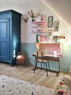 30 kids study room design ideas that make kids eager to learn girls bedroom Half Painted Walls, Study Room Design, Study Space, Deco Kids, Mid Century Modern Bedroom, Ideas Hogar, Home Decor Bedroom, Bedroom Ideas, Bedroom Wall
