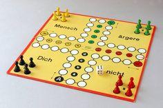 """Jedes Kind in Hamburg kennt dieses Spiel: """"Mensch ärgere Dich nicht""""."""