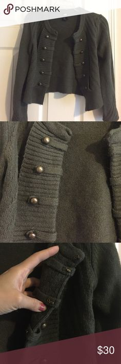 H&M army green sweater jacket Only worn twice. There are hooks in the front to zip up the jacket H&M Sweaters Cardigans