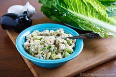 Susan Voisin's Old Fashioned Vegan Chicken Salad (made with a tofu-cashew mayonnaise)! Tofu Recipes, Whole Food Recipes, Vegetarian Recipes, Cooking Recipes, Healthy Recipes, Vegan Vegetarian, Tofu Chicken Salad Recipe, Tofu Salad, Vegan Kitchen