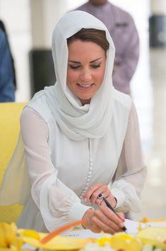 Kate Middleton Photos - The Duke And Duchess Of Cambridge Diamond Jubilee Tour - Day 4 - Zimbio