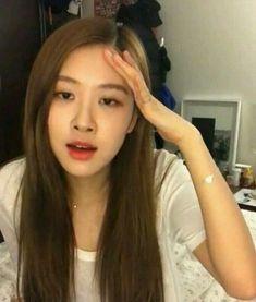 memes do blackpink Memes Do Blackpink, Funny Kpop Memes, Meme Faces, Funny Faces, K Pop, Foto Rose, Blackpink Funny, Kim Jisoo, Yg Entertainment