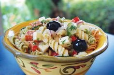 We're so excited for you to try our new Italian Vinaigrette Dressing! In celebration, here's a recipe for a super delicious Italian Pasta Salad. Perfect for summertime! Vinaigrette Dressing, Salad Dressing Recipes, Pasta Salad Recipes, Salad Dressings, Suddenly Salad, Homemade Burgers, Homemade Salsa, Pasta Salad Italian, Dinner Entrees
