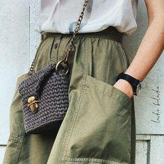 860 отметок «Нравится», 21 комментариев — ВЯЗАНИЕ❤Anastasia Asanova (@lavka_bulavka) в Instagram: «Наблюдение дня  Почти все прохожие останавливают взгляд  на этой сумке а некоторые тётеньки прям…»