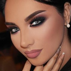 «Omg I can't get enough of @talalmorcos page, his makeup inspires me so much, I wish I could learn his techniques #talalmorcos #hudabeauty #monakattan…»