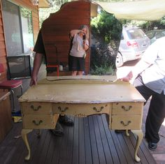 Day 18 ... 18/01 ... Time for a new home for the beautiful old dressing table.