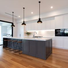One Wall Kitchen, Open Plan Kitchen Living Room, Kitchen Room Design, Kitchen Cabinet Design, Modern Kitchen Design, Home Decor Kitchen, Interior Design Kitchen, Black Kitchen Island, Kitchen Island Bench