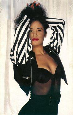"""Selena Quintanilla """"Entre A Mi Mundo"""" photo shoot"""