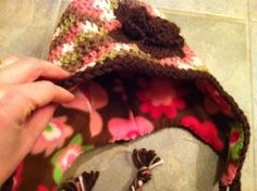 How to add a fleece lining to a crocheted hat. This could be awesome!