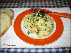 Pilaf de orez cu piept de pui Risotto, Mashed Potatoes, Ethnic Recipes, Food, Whipped Potatoes, Smash Potatoes, Essen, Meals, Yemek