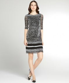 Kay Unger black and grey striped crepe ruched side 3/4 sleeve dress