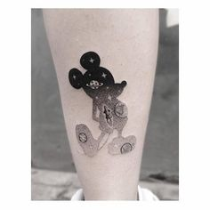 Dotwork style double exposure Mickey Mouse tattoo Artista Tatuador: Jakub Nowicz