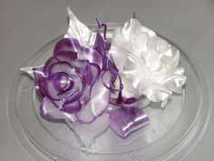 Wow, this Pulled Sugar is really beautiful. Wonder how much practice it takes to make these?!