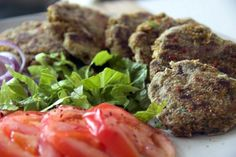 Vegan Burger Patties made with Juice Pulp and spices - no nuts, seeds, legumes, beans or anything heavy. Green Juice Recipes, Green Smoothie Recipes, Veggie Bean Burger, Veggie Burgers, Juicer Pulp Recipes, Raw Vegan Recipes, Healthy Recipes, Best Fast Food, Recipes With Few Ingredients
