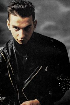 Dave Gahan of Depeche Mode Great Bands, Cool Bands, Martin Gore, Yellow Sky, Band Pictures, Dave Gahan, I Have A Crush, English Men, 80s Music