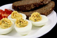 gefüllte Eier mit Sardellen Karneval Snacks, Brunch Recipes, Dessert Recipes, Brunch Punch, Mary Recipe, Brunch Casserole, Easter Brunch, French Food, Finger Foods