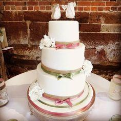 Vintage Wedding - Cake by Divine Bakes