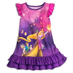 [Golden slumbers]Your sleepy princess can let her hair down and relax in regal splendor in this Rapunzel Nightshirt. Flynn Rider and Pascal join Rapunzel on this sleepwear inspired by the memorable boat scene from <i>Tangled</i>.