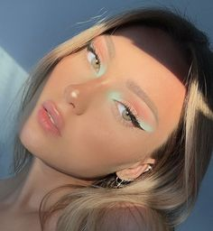 12 Ideas for Green Eyeshadow Looks Cute Makeup Looks, Makeup Eye Looks, Eye Makeup Art, Glam Makeup, Pretty Makeup, Hair Makeup, Makeup Looks For Brown Eyes, Makeup Light, Runway Makeup