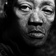 Photographer Lee Jeffries has shown that it's possible by taking very expressive portraits of people. But not just any kind of people; all of his models are homeless men, women and children that he has met in Europe and the United States. People Photography, White Photography, Portrait Photography, Homeless People, Homeless Man, Lee Jeffries, Who Is My Neighbor, Cyberpunk Character, Glamour Shots
