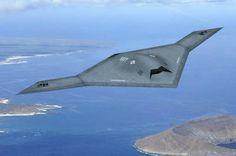 Un successo il volo del drone stealth USA X-47B da una portaerei, ecco il video