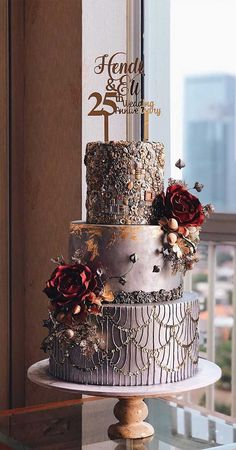 79 Amazing Cake Inspiration For Special Celebration - Hair and Beauty eye makeup Ideas To Try - Nail Art Design Ideas Pretty Wedding Cakes, Square Wedding Cakes, Floral Wedding Cakes, Amazing Wedding Cakes, Elegant Wedding Cakes, Wedding Cake Designs, Wedding Cake Toppers, Pretty Cakes, Beautiful Cakes