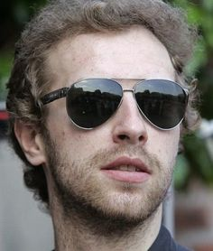 Chris Martin being awesome Great Bands, Cool Bands, Chris Martin Coldplay, Blue Eyed Men, Blue Eyes, Beautiful People, Bae, Mens Sunglasses, Album