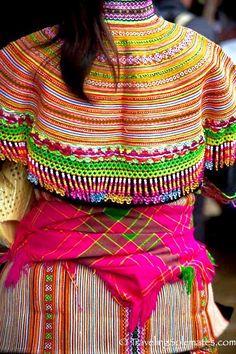 bac-ha-market-vietnam-flower-hmong