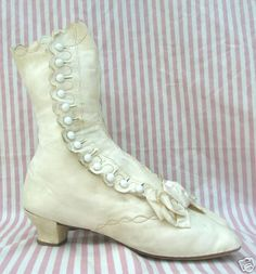 Mid-Victorian side button boot