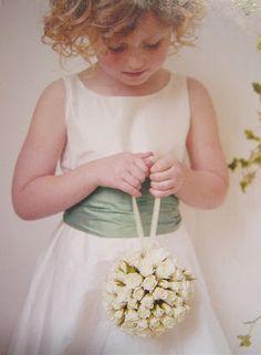 Vestido de daminha casamento menina  acessório flores