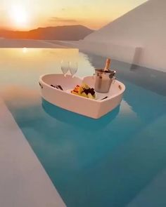 Vacation Places, Dream Vacations, Vacation Spots, Santorini Hotels, Greece Hotels, Beautiful Places To Travel, Cool Places To Visit, Romantic Places, Aloita Resort