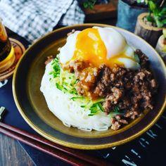 これからの季節にぴったりな素麺レシピ色々❤️我が家自慢の肉味噌素麺と油そば風素麺♪ | しゃなママオフィシャルブログ「しゃなママとだんご3兄弟の甘いもの日記」Powered by Ameba Japanese Food, Bon Appetit, Food Inspiration, Noodles, Food And Drink, Healthy Eating, Dishes, Cooking, Ethnic Recipes