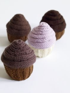 Knit Cupcakes - free pattern and guilt free! :)