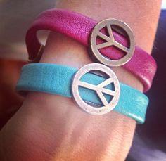 Peace & summer. Pulseras paz para dar color al verano. Lo encontrarás en nuestra web