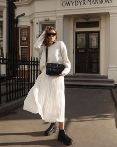 Fresh whites to transition into Spring 🕊 If you fancy winning this cosy knit and pleated skirt head to to find out more! Trend Fashion, Look Fashion, Autumn Fashion, Womens Fashion, 80s Fashion, Fashion Spring, Korean Fashion, Mode Outfits, Fashion Outfits