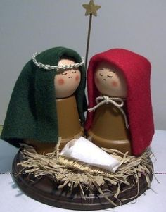 clay pot nativity by della