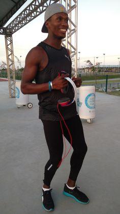 Bronze em Pequim e Londres, cubano treina embalado por Teló para decatlo #globoesporte