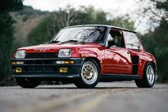This 1985 Renault R5 Turbo 2 Evolution is #120 of 200 homologation road cars built to qualify the R5 Maxi Turbo rally car for Group B WRC competition. This is a 18221 chassis car featuring a more powerful turbocharged 1,423cc inline-four and was the most limited-production version of all R5 Turbo va