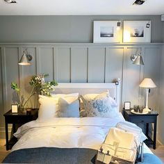 14 Fabulous Rustic Chic Bedroom Design and Decor Ideas to Make Your Space Special - The Trending House Bedroom Decor, Beautiful Bedrooms, Bedroom Panel, Bedroom Interior, Home, Bedroom Inspirations, Guest Bedrooms, Home Bedroom, Home Decor