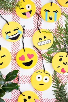 Make your own emoji ornaments. see more at http://blog.blackboxs.ru/category/christmas/