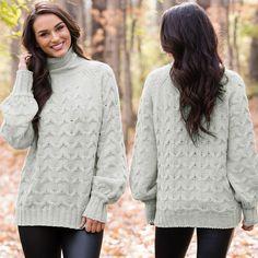 Această bluză este perfectă pentru un look trendy, de sezon!✨🛒