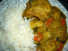 Colombo de poulet antillais I'm Going To Learn How To Make This 4 You. Caribbean Chicken, Carribean Food, Asian Recipes, Healthy Recipes, Ethnic Recipes, Zucchini, Beef Barley Soup, Ha Ha, Delish